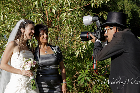 wedding videographer in perth vs wedding photographer