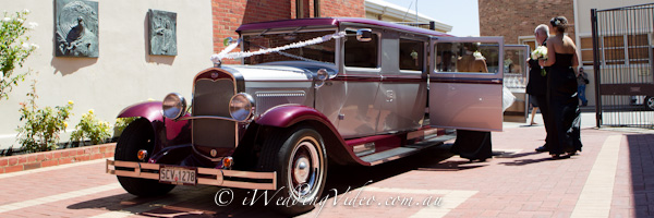 perth wedding videography of limousine